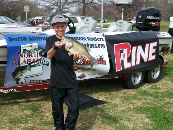Brody Mitchell 3.77lb Largemouth Tourney#2 Pickwick Lake