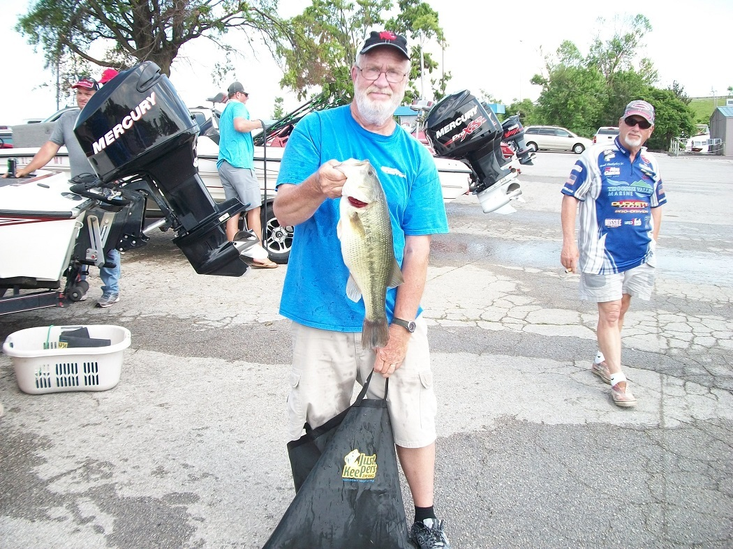 Jerry Dunn 5.74 lb. Largemouth  Tourney#5 (05/19/18) Wheeler Lake