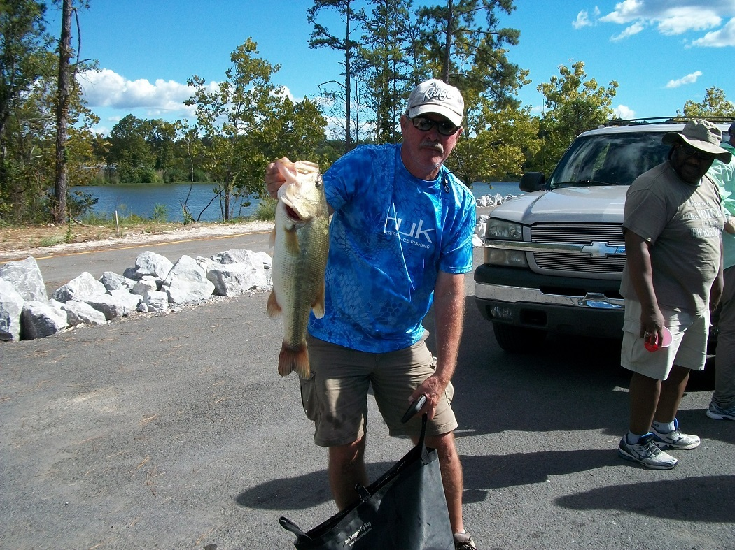 Tourney#9 Weiss Lake - 1st Place: Terry Harbin (Big Fish 6.14 lbs.)and Bobo Burke 11.10 lbs.