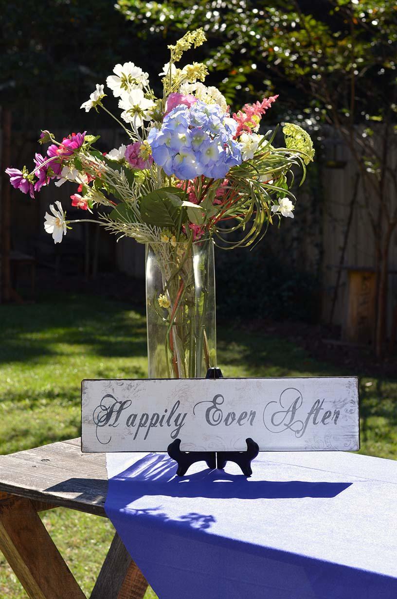The Venue at Dawes Mobile Alabama wedding venue flower arrangement