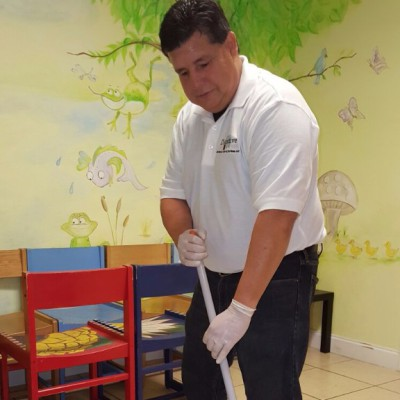 Distinctive President, CEO Mopping a new business partner facility