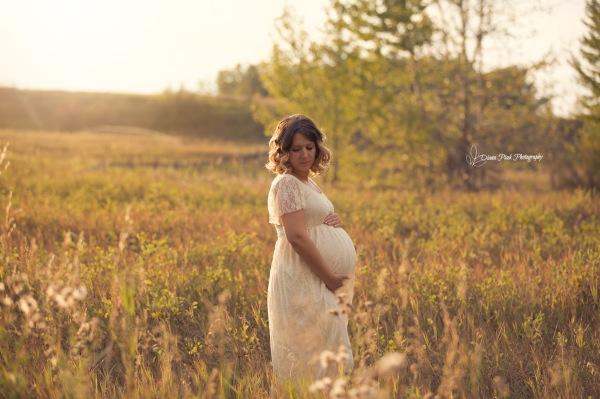 Maternity photography in Calgary