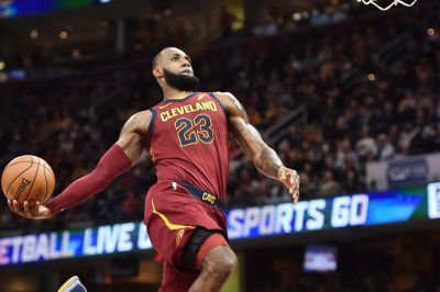 Lebron hurts back carrying the Cavs