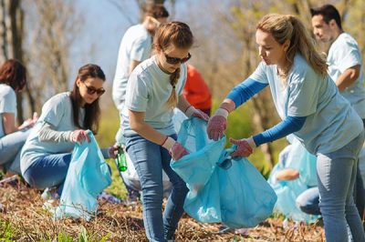 Why every class should have a community service commitment