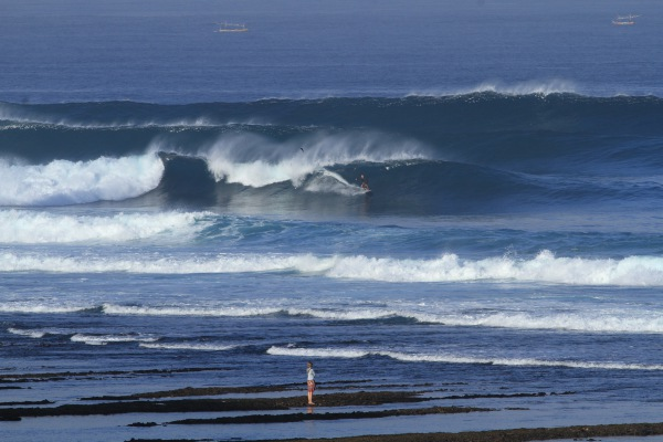 Kimo on a nice one at Secrets, Uluwatu