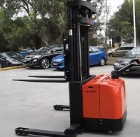 Electric Pallet Stacker