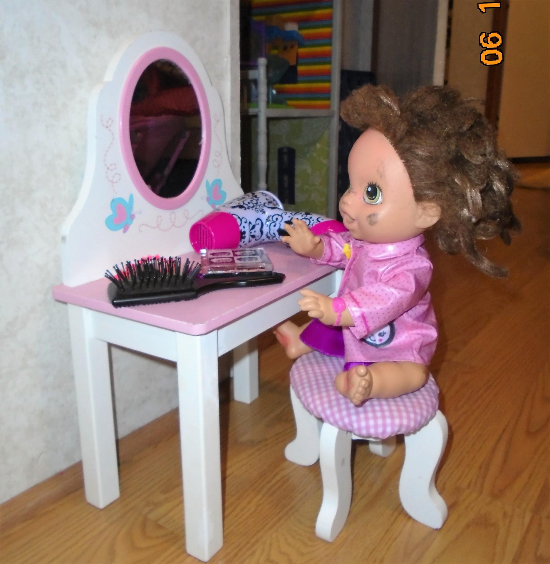 Doll Vanity
