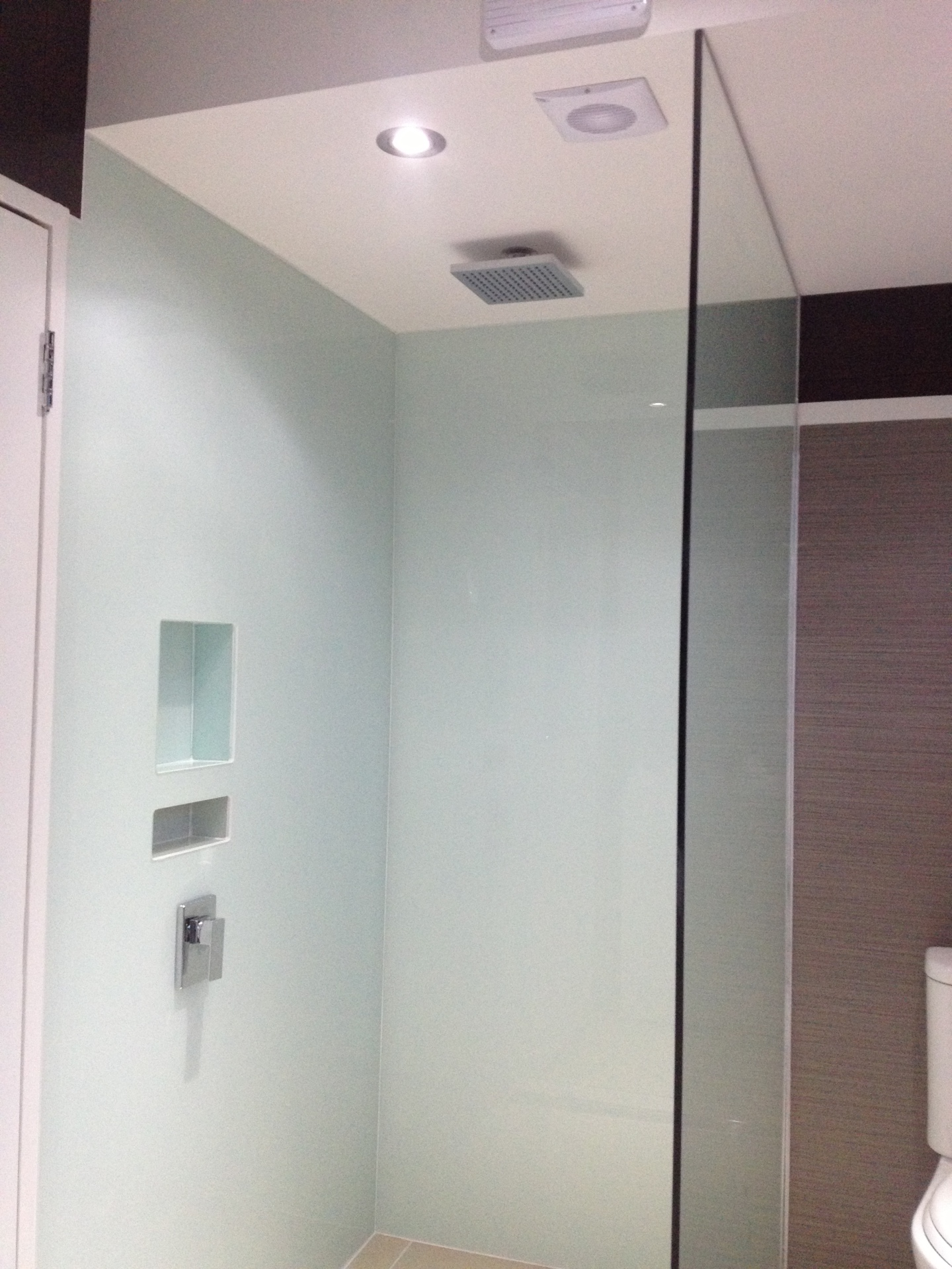 Glass shower recess