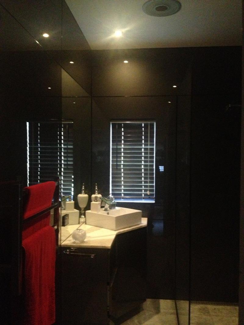 10mm Free standing shower panel