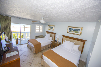 Direct Oceanfront with Two Double beds