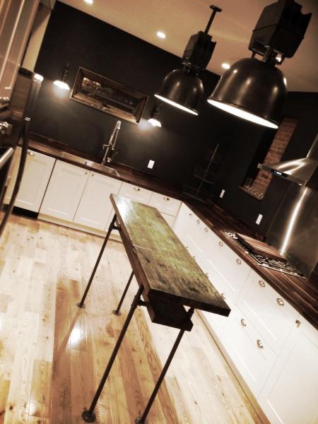 The Montauk ~ Spacious, Industrial Kitchen