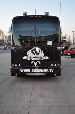 Big Kenny Tour Bus