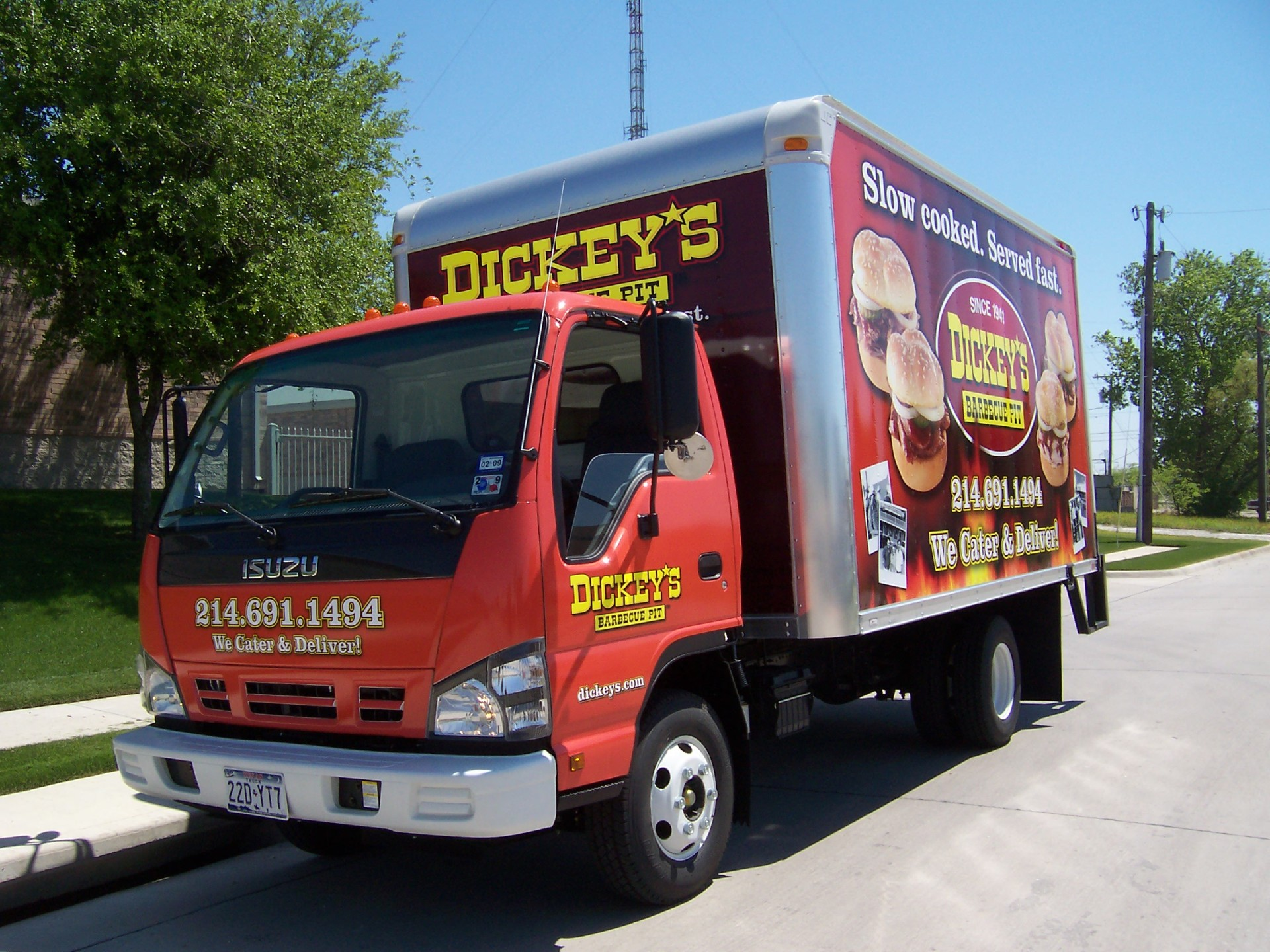 Dickey's Isuzu Box Truck Dallas TX,  Dickey's Vehicle Wraps, Vehicle Wraps Dallas TX