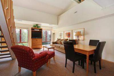 Squaw Valley Lodge - California
