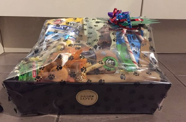 LUXURY DOG HAMPER CHRISTMAS/BIRTHDAY/EASTER GIFT