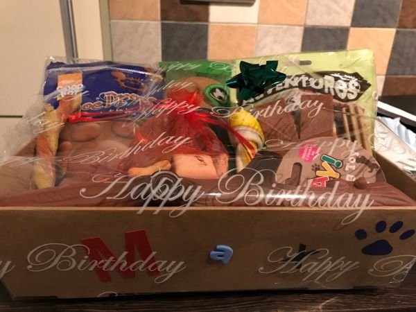 PERSONALISED DOG/CAT LUXURY HAMPER