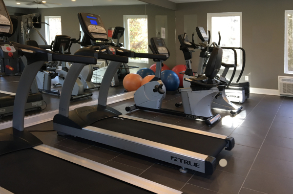 STATE-OF-THE-ART PARAMOUNT FITNESS CENTER