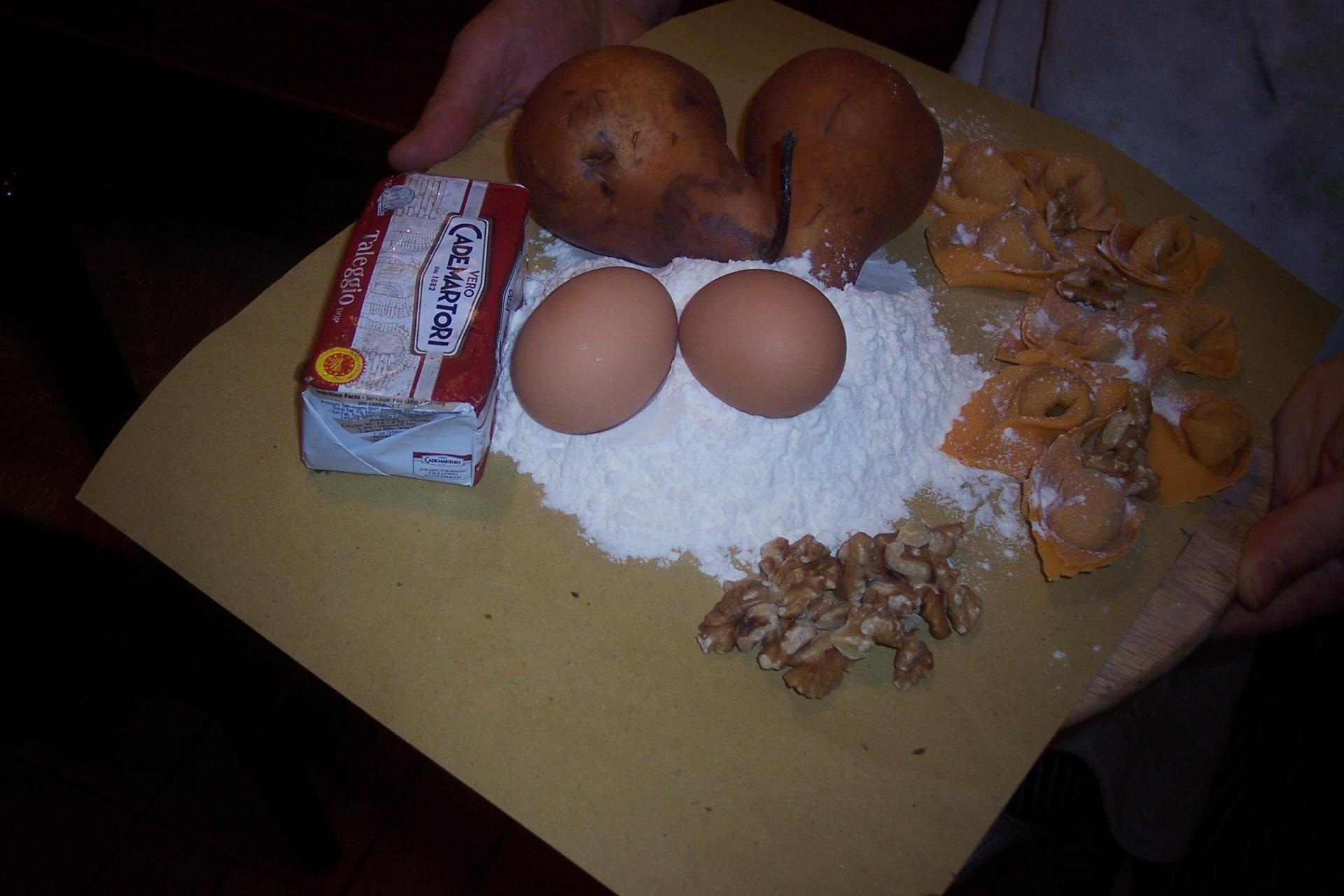 Tortelli pere taleggio noci
