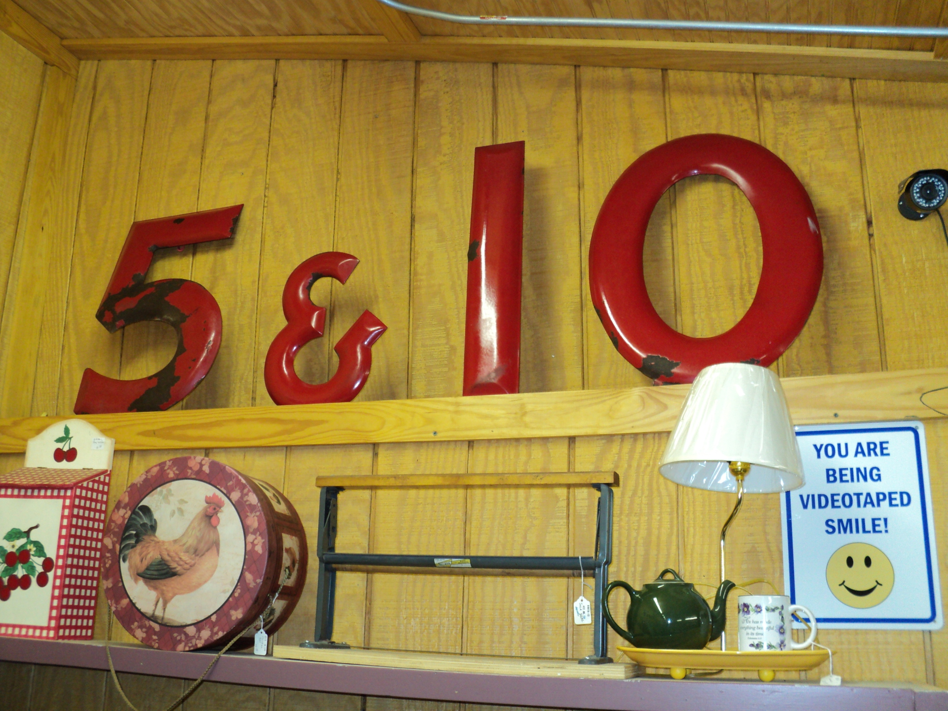 5 & 10 Sign