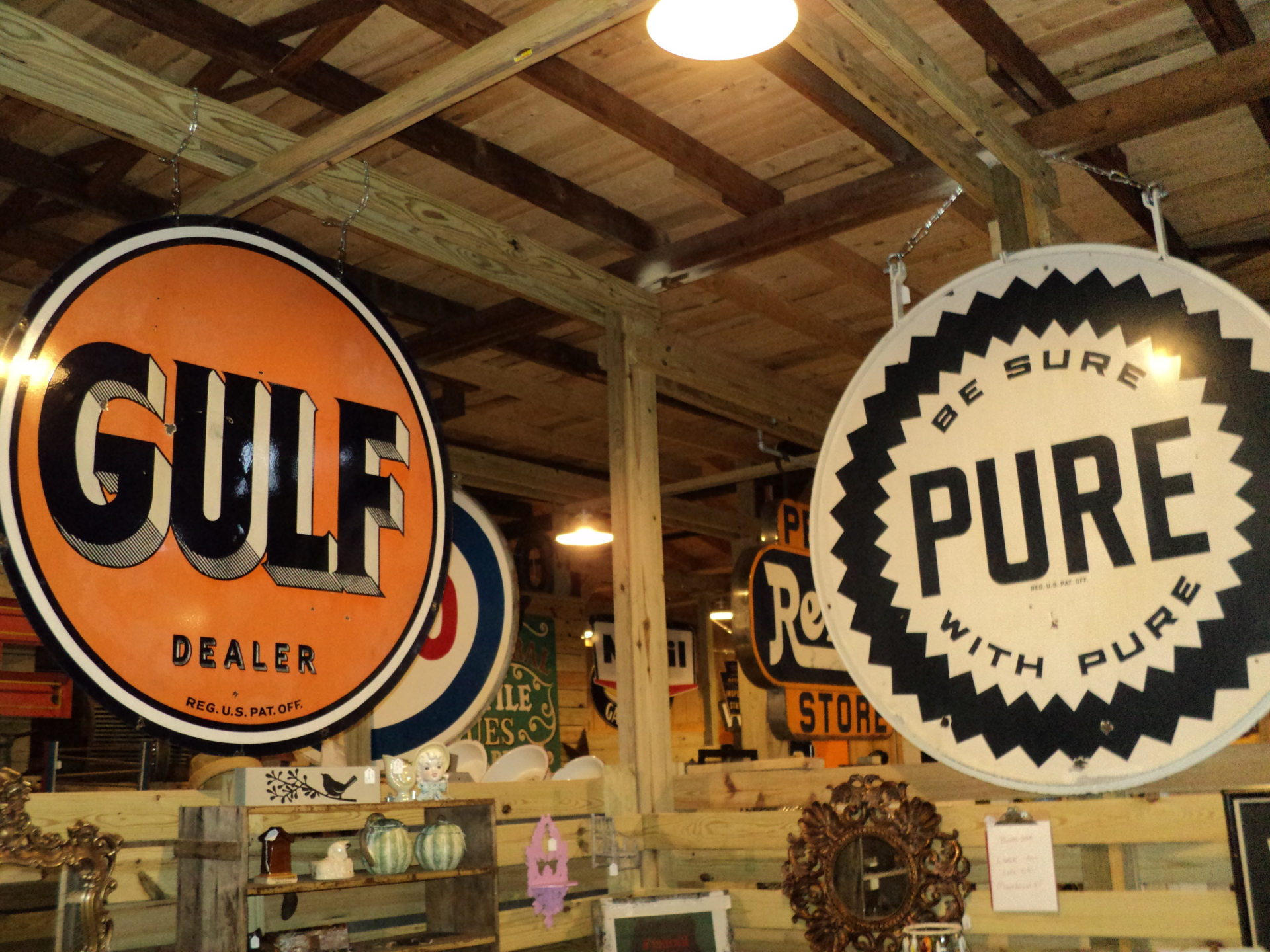 Gulf Dealer and Pure Sign