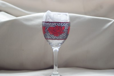 """Rose Lace"" Wineglass"