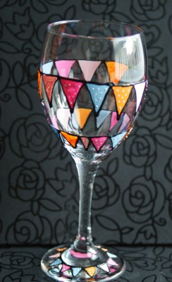 Bunting Wineglass