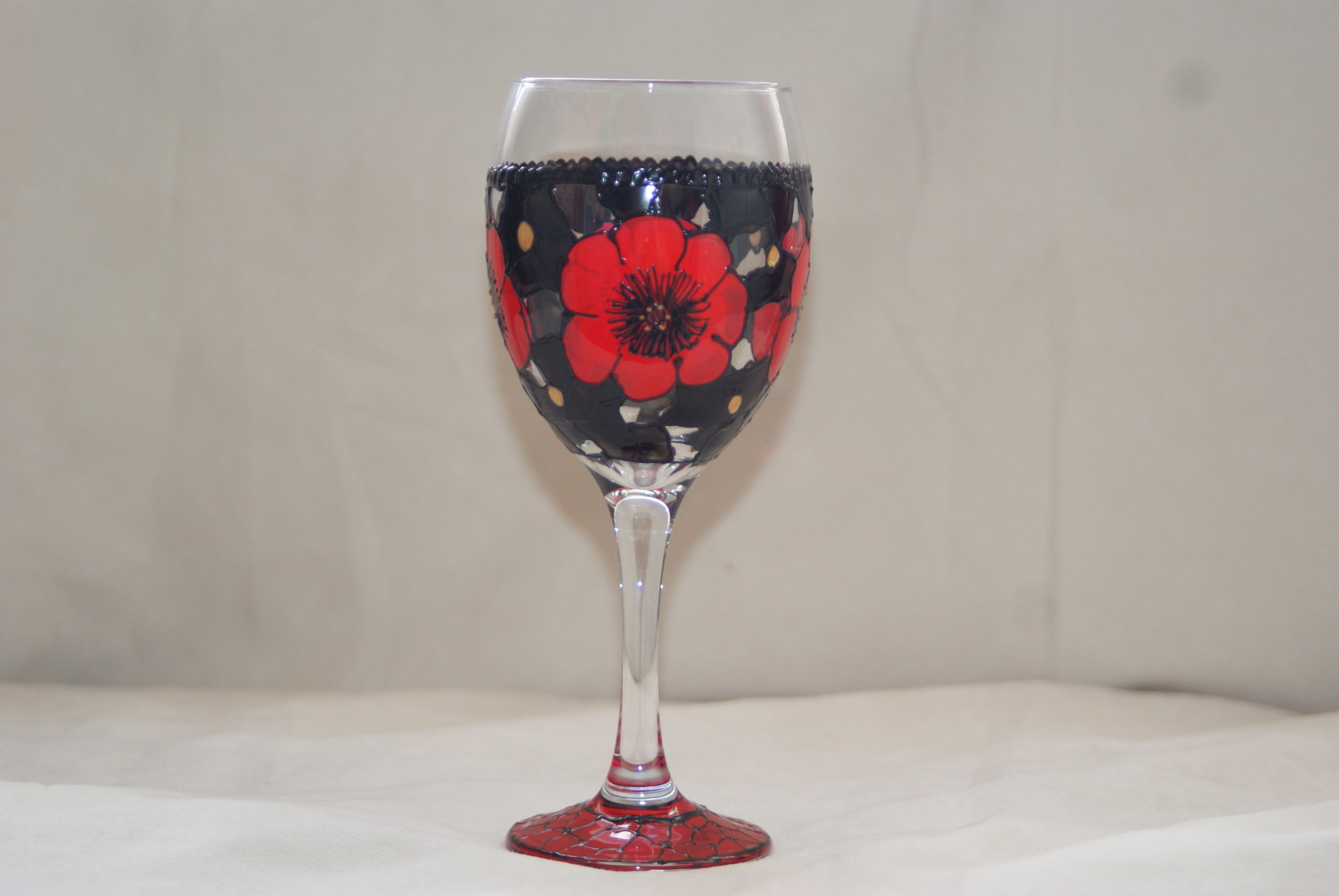 Midnight Poppy Wineglass
