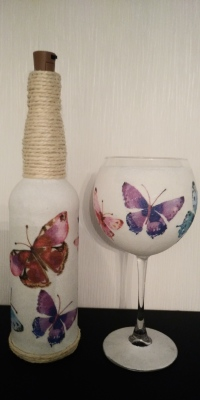 Butterflies Bottle Light & Gin Glass Set