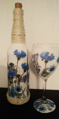 Cornflower Bottle Light & Wine Glass Set