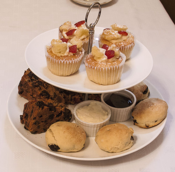 Cupcakes, scones and fruit cake