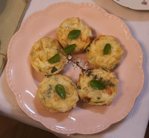 Egg, cheese and leek tartlets