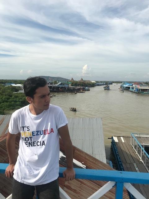 Camino a la ciudad flotante en Siem Reap
