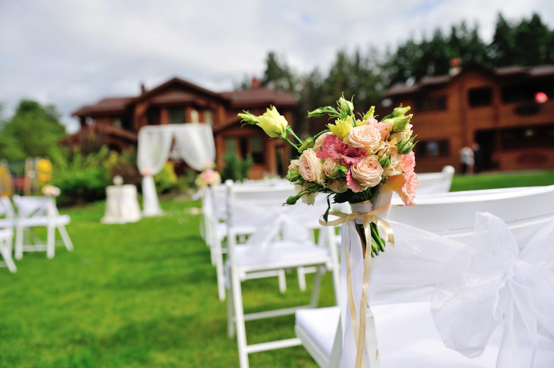 Pink aisle decoration, wedding ceremony set up