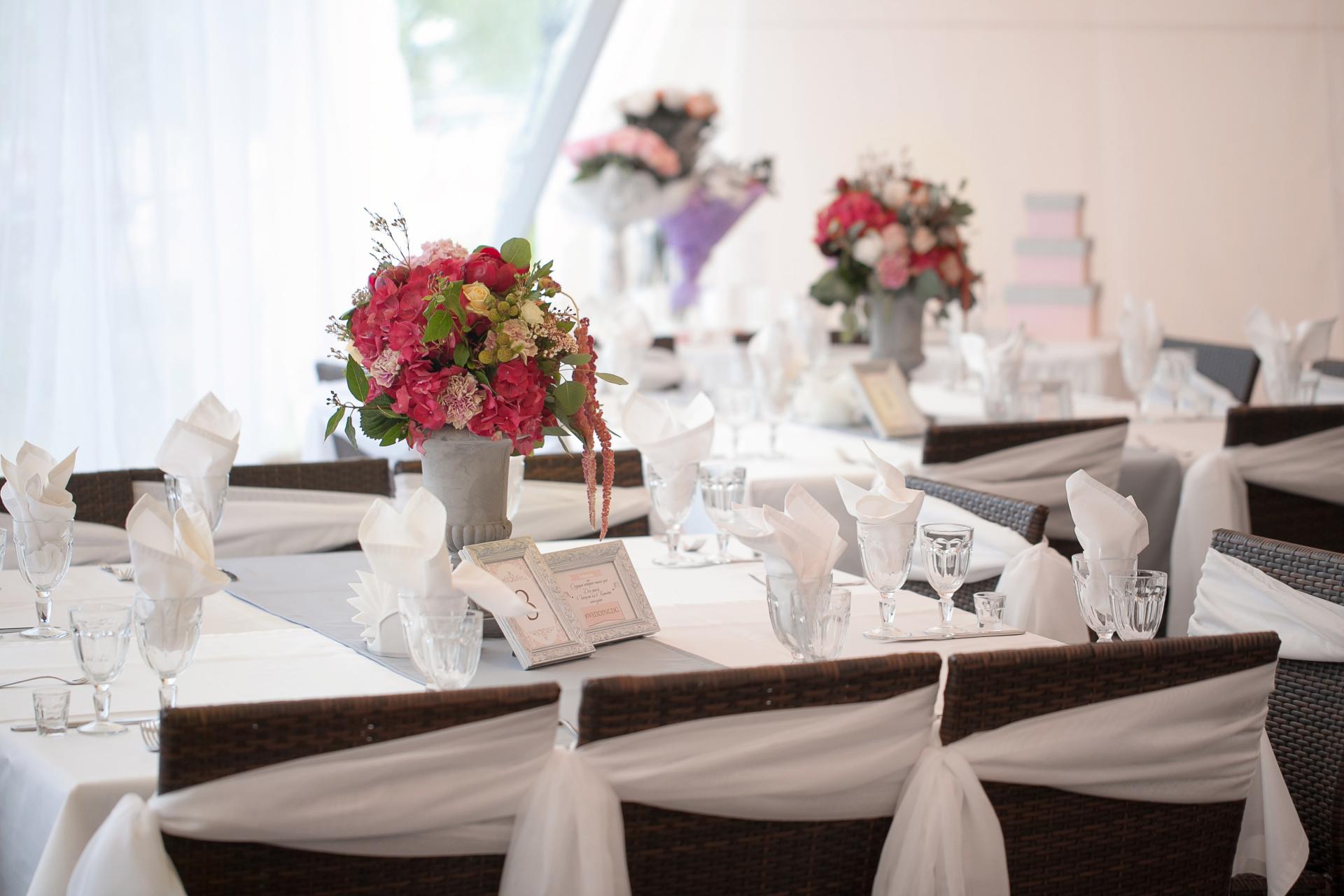 fushia  wedding event centerpiece, pink centerpiece