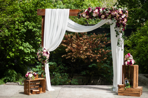 Arbor that will look stunning in every picture