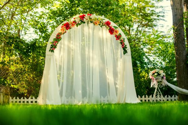 Floral arch, wedding arch, elegant ceremony