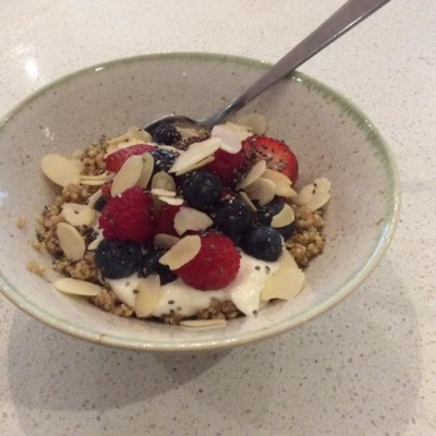 Summer Yoghurt, Quinoa & Berries Breakfast