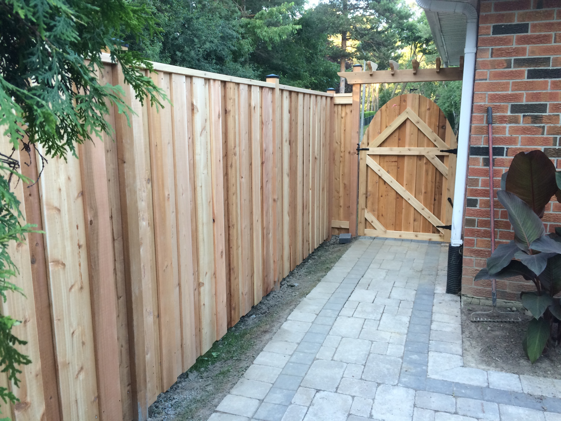 Cedar Fence with Gate