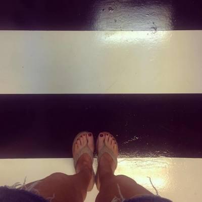 Anne's feet