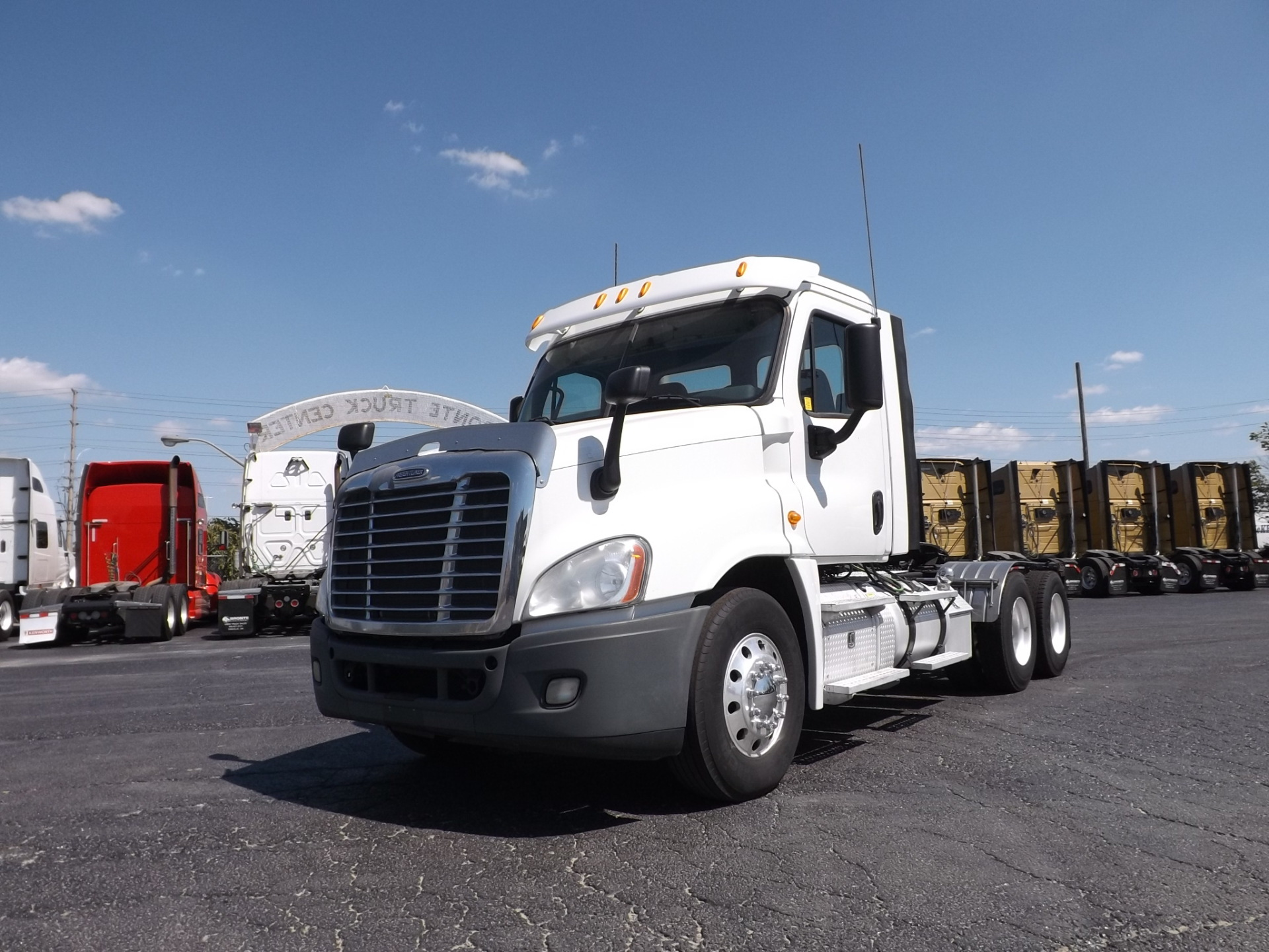 2013 Freightliner Cascadia Heavy spec day cab