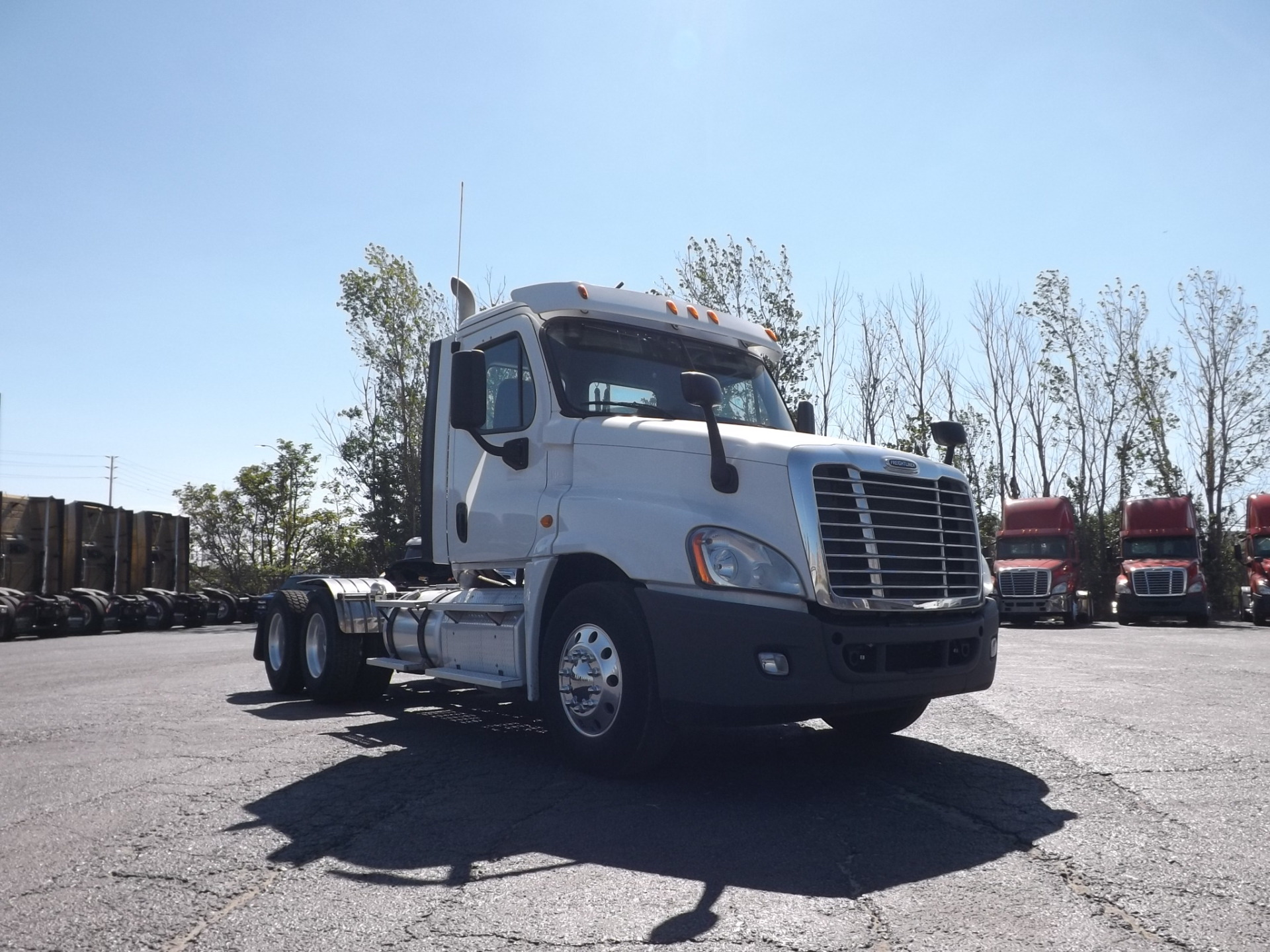 2013 White Freightliner Heavy Spec Day Cab