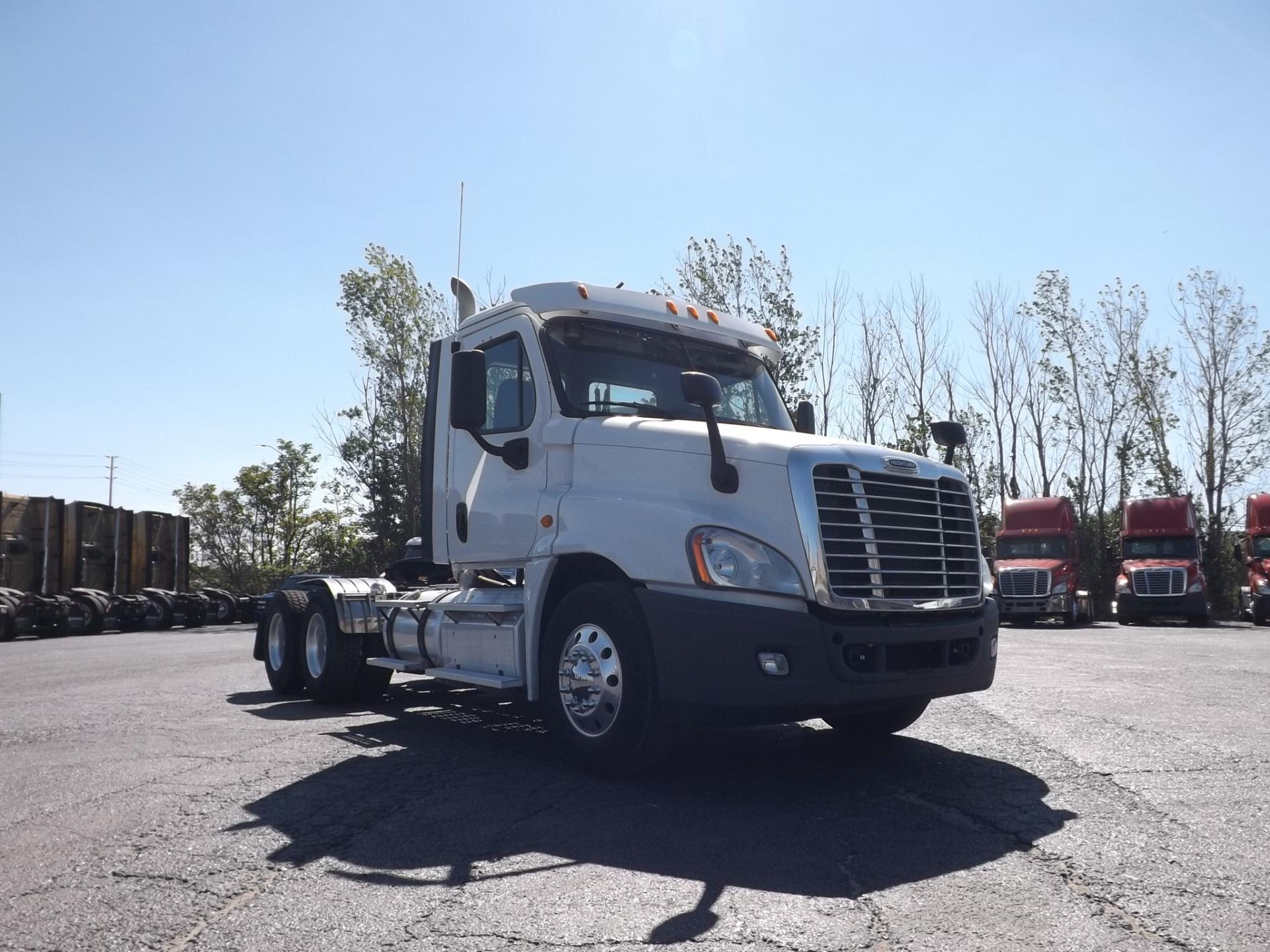 2013 White Freightliner Heavy Spec Day Cab