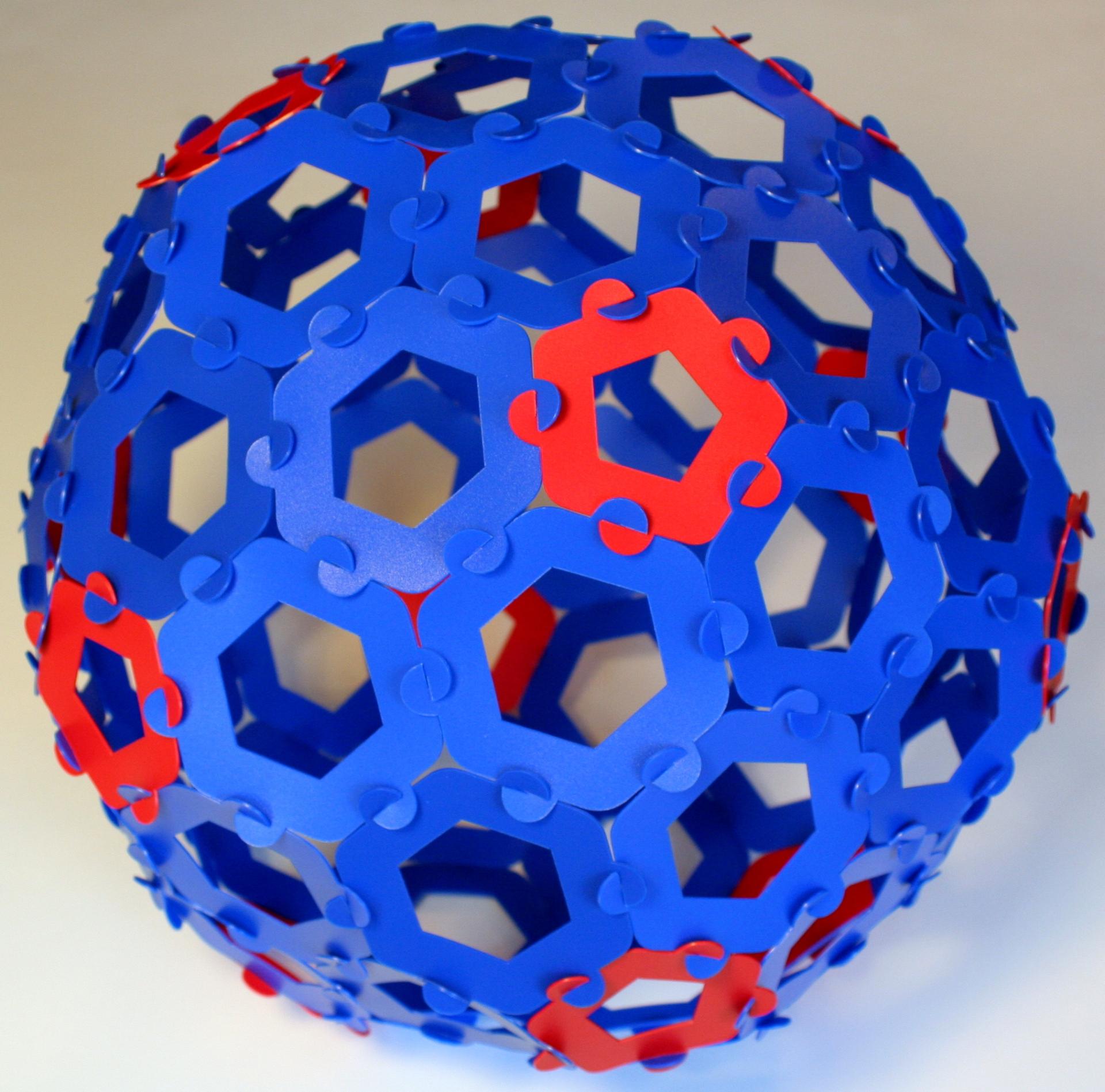 Goldeberg polyhedron G(2,1)
