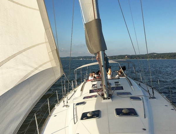 Sail the Hudson River