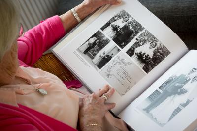 memories, wedding, older person, sharing