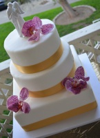 multi shape wedding cake