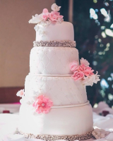 elegand fondant wedding cake