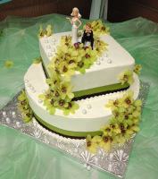 smaller wedding cake