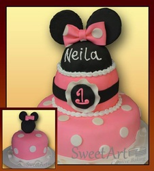 Minnie Mouse grls birthday cake