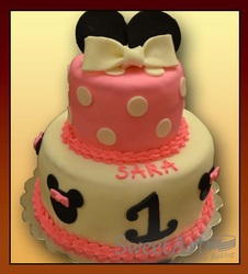 Minnie Mouse Disney cake